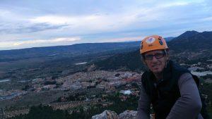 Vista de Biar escalada y rápel en el Fraile