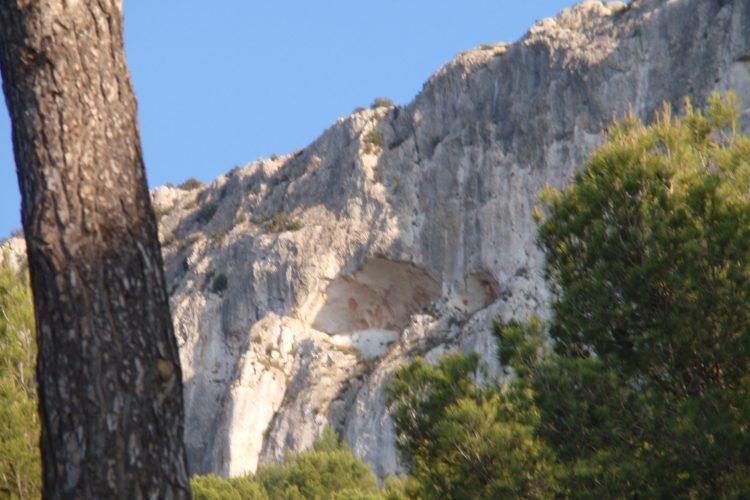 Rapel de la Cueva, Penya Tallà